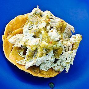 Tostadas de Pollo al Mole Verde