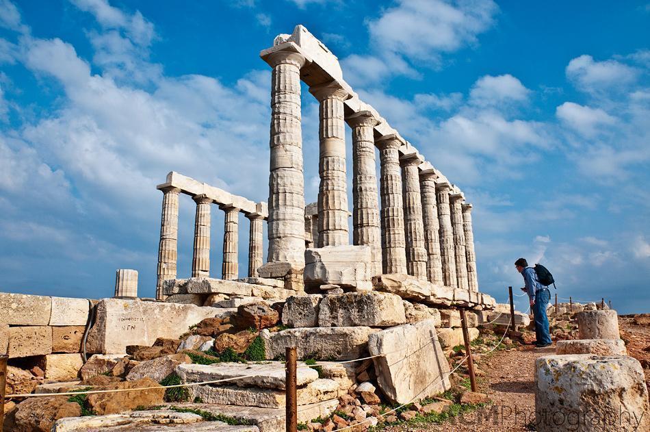 Andrew examines the Poseidon temple