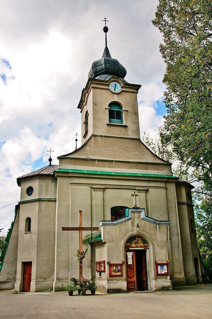 The little church in Istebna is unassuming until you step inside