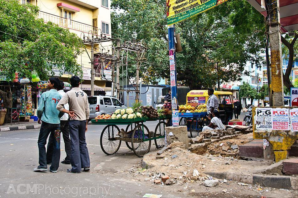 A typical street scene in Bangalore