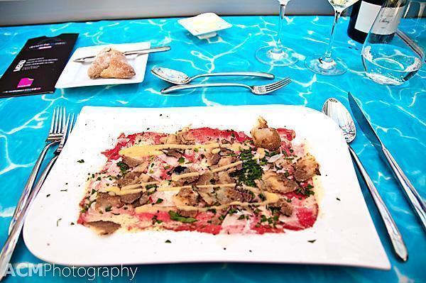 Carpaccio of 'Blue de Prés with loads of truffle