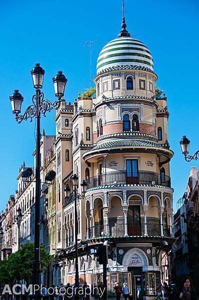 Confitería Filella Building
