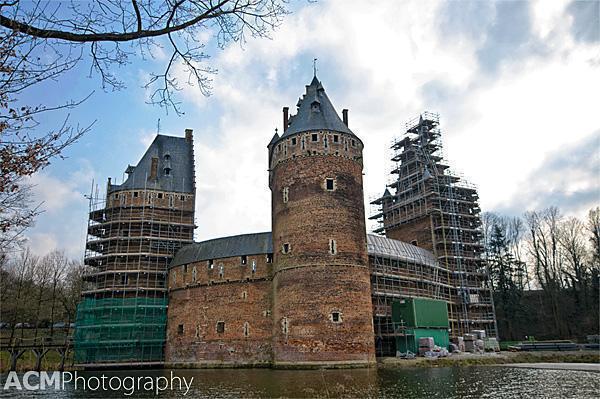Beersel Castle under construnction