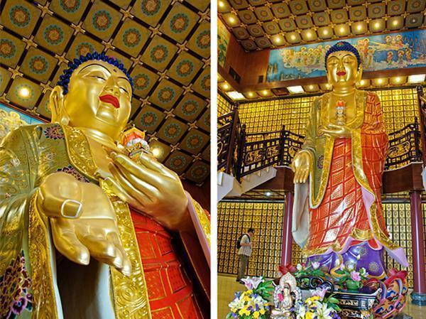 One Giant Golden Buddha surrounded by thousands of tiny Buddhas