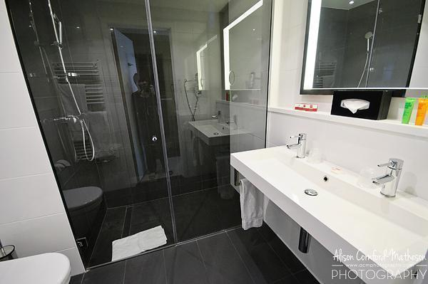 Spacious bathroom at the Thon Hotel