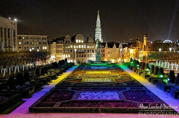 Just down from the Skyliner, Mont des Arts is decorated in festive colours