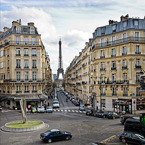 Exploring the Radisson Blu Hotels of Paris