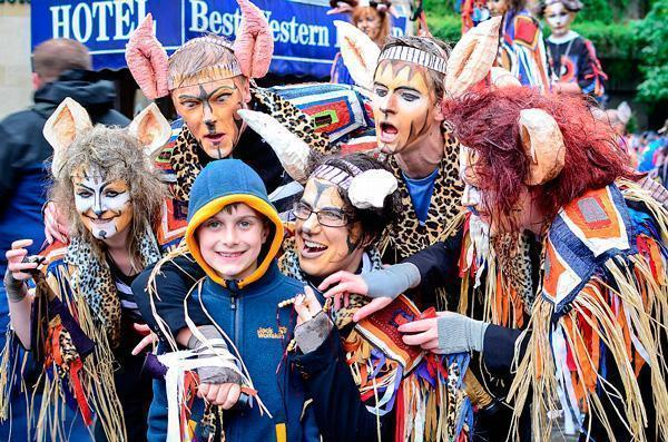 Adriana's son experiencing the Zinneke Parade in Brussels