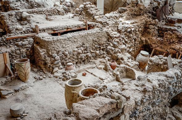 Akrotiri - the Minoan Bronze-Age settlement