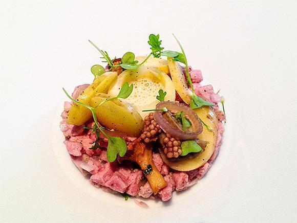 Beautiful and tasty veal tartar at JER, Hasselt