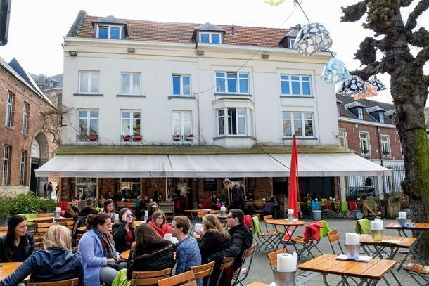 Lunchtime at De Werf restaurant in Leuven
