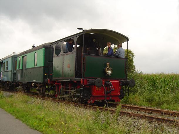 1907 Cockerill vertical boiler locomotive on the Dendermonde-Puurs Railway. (source: Wikimedia Commons)