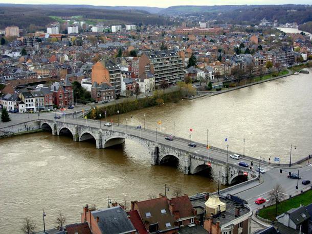 Your journey starts here - Pont-de-Jambes in Namur