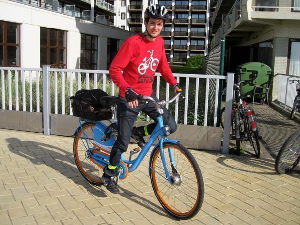 Blue Biking the Belgian coast
