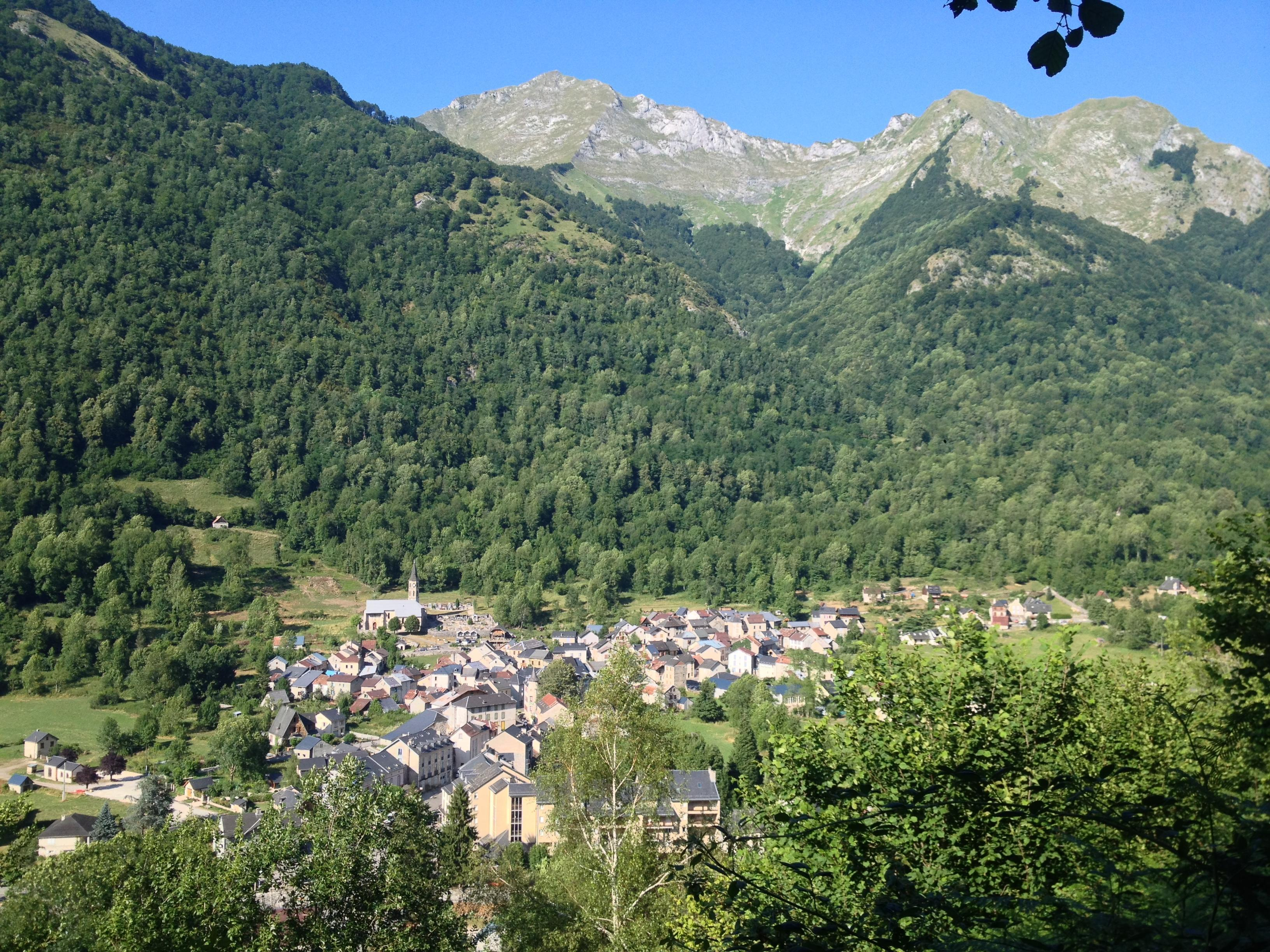 Aulus-les-Bains starts in the valley and climbs up the side of one mountain