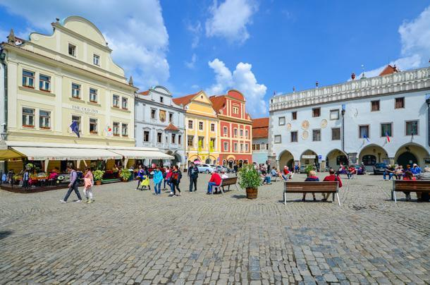 The colourful and pretty centre of Cesky Krumlov