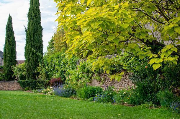 Even the grounds at Les Orangeries are tended in a sustainable way