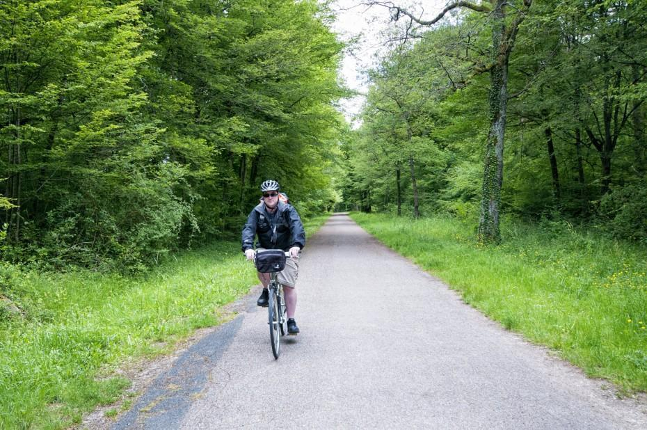 Andrew cruises home on the Loire-a-Velo cycle path.