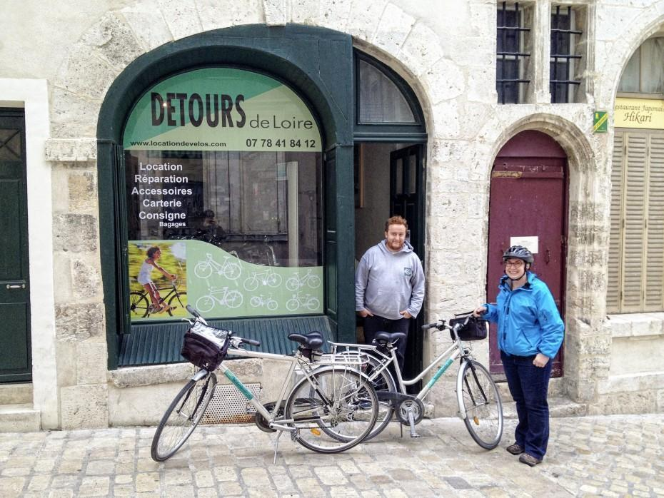 Picking up our bikes from the Detours de Loire, in Orléans.