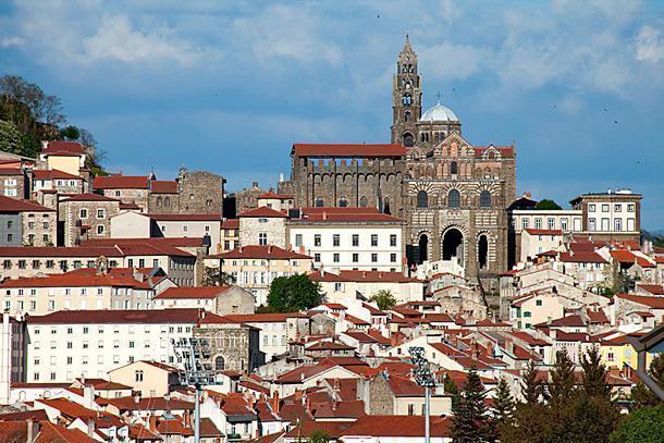 Cathédrale de Notre-Dame du Puy is part of the Santiago de Compostella pilgrimage route.