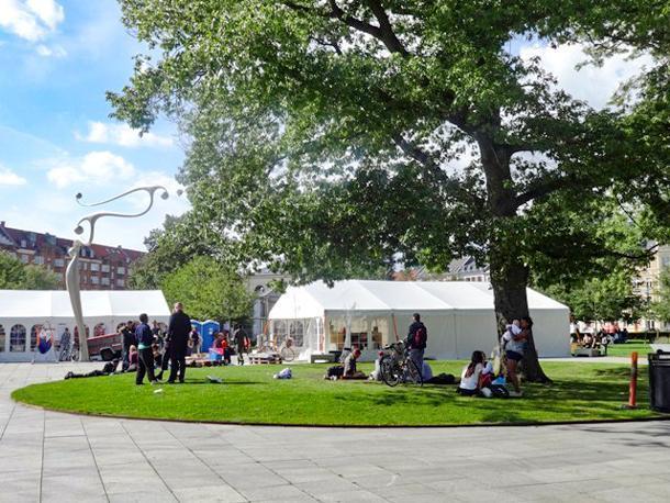 Tents in the park for Aarhus Festuge