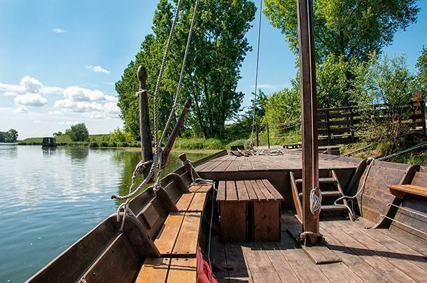 Our traditional wooden boat from Passeurs de Loire