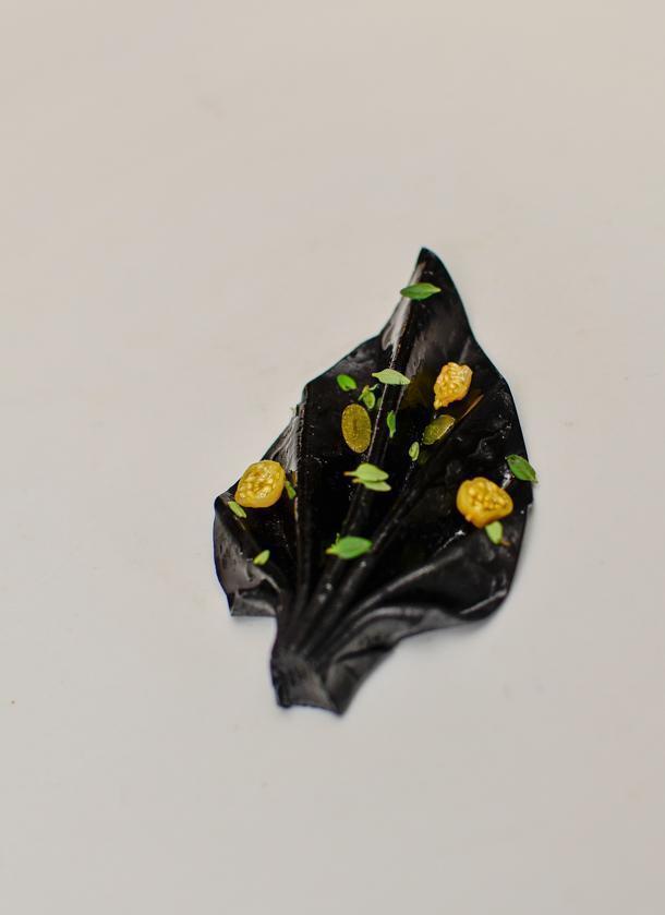 Vegetable flower (made of garlic)