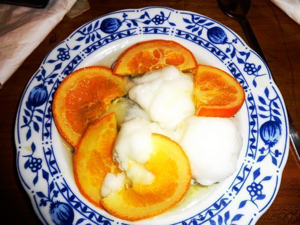 Fleshy pernambucco oranges in Pigato wine with lemon sorbet