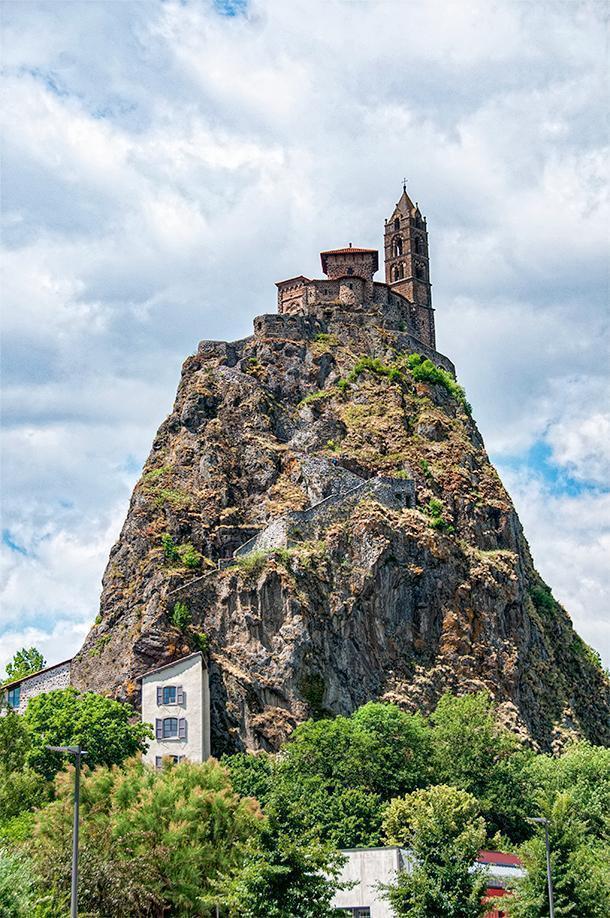 Exploring the wondersof Puy-en-Velay, France