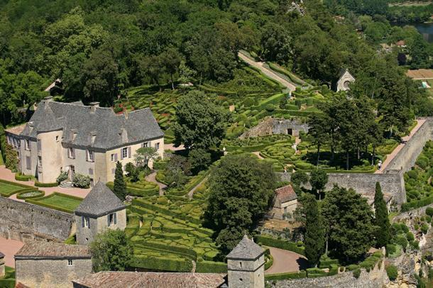 Marqueyssac from above (Press Photo copyright Marqueyssac Gardens)