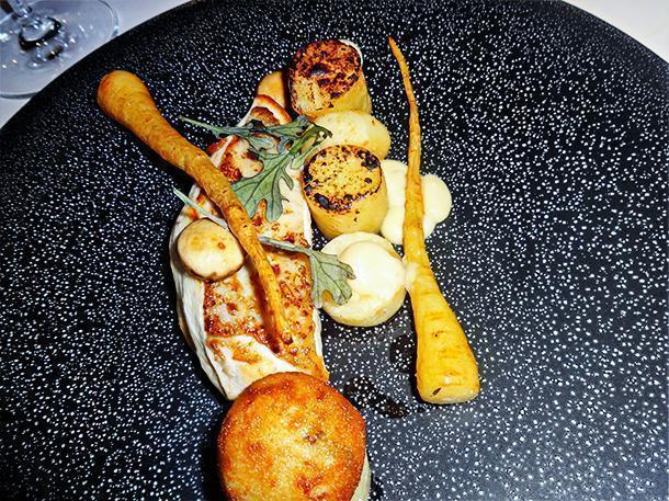 Chicken with root vegetables at Altermezzo, Tongeren