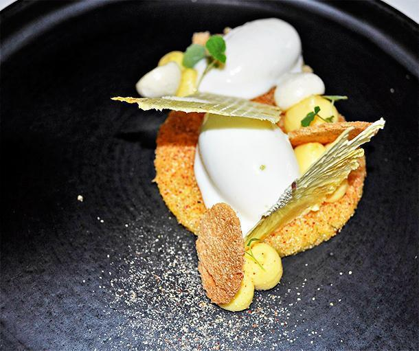 Pineapple slice made tangy with addition of Espelette pepper served with sour cream ice cream, pineapple ice cream and chips of dried pineapple