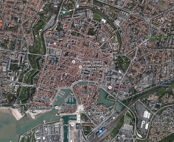 Parc Charruyer is a long, narrow strip along the Vieux Port in La Rochelle
