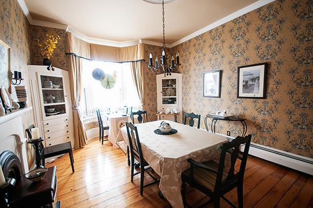 The sunny dining room at Quartermain House B&B