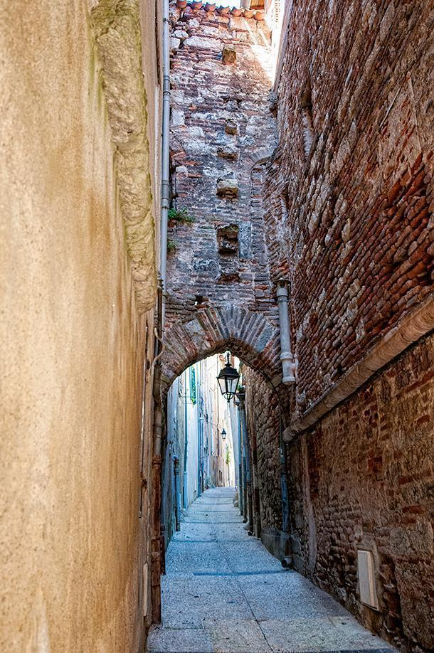Exploring the back alleys of Cahors, France