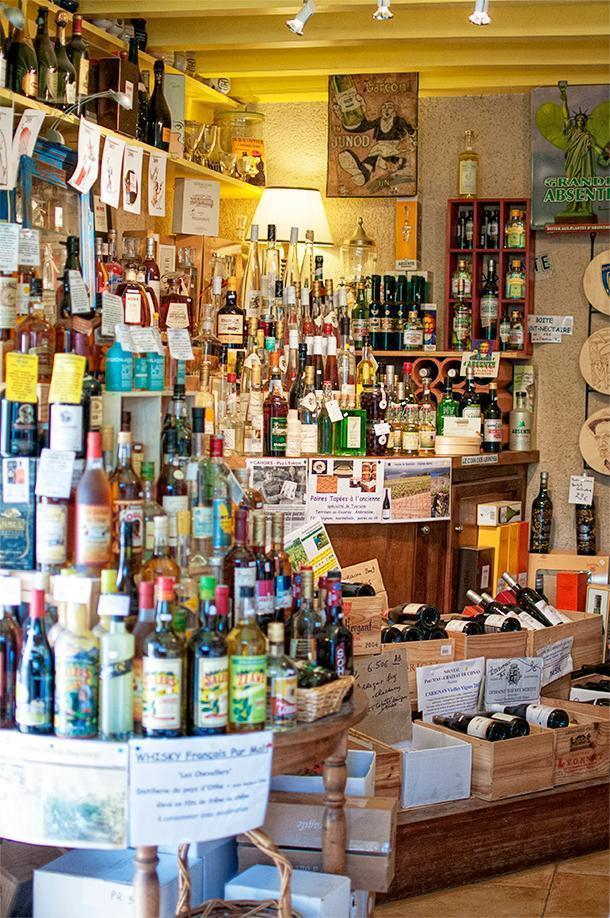 We discovered this wonderful foodie shop in Charroux with the help of or B&B hostess