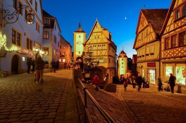 Rothenburg (ob der Tauber) Reiterlesmarkt is one of the pretty settings in Germany