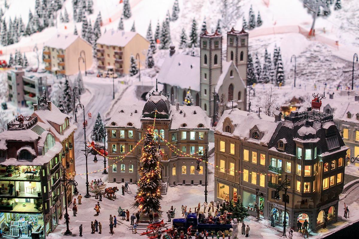 The chic mountain ski resort at Mini World Lyon