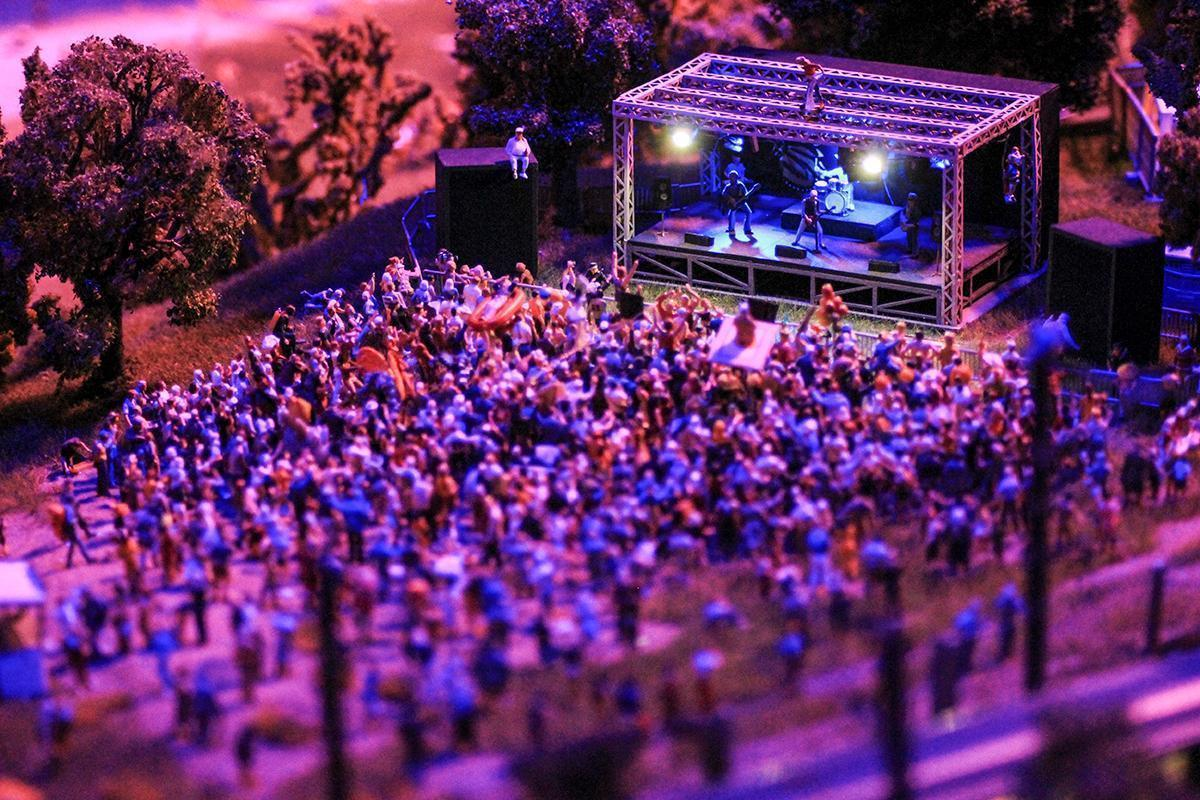 Play your own music at Mini World's mini concert