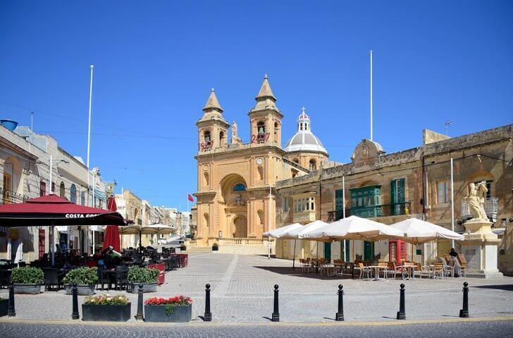 Take a bus to Marsaxlokk and other attractions in Malta