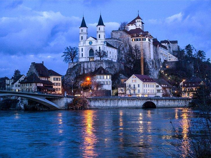 Schloss Aarburg is one of the many castle of Aargau you can visit on a day trip from Zurich.