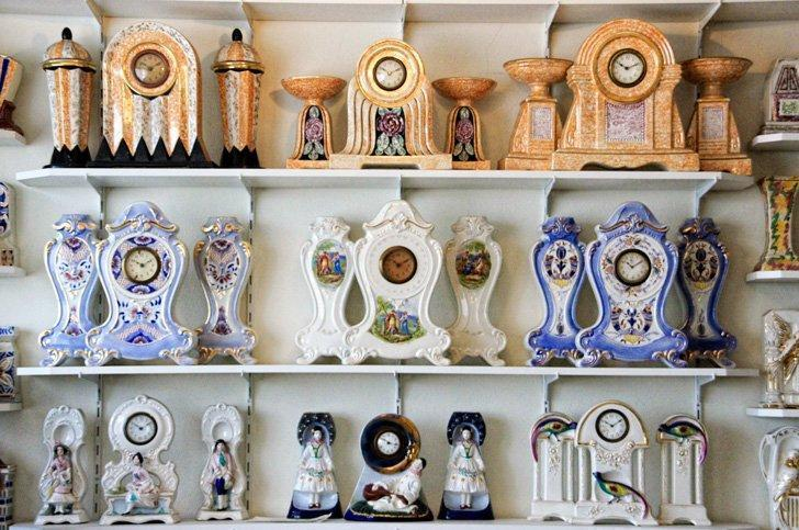 You'll find an impressive collection of ceramic clocks at the Art Deco Clockarium in Brussels.
