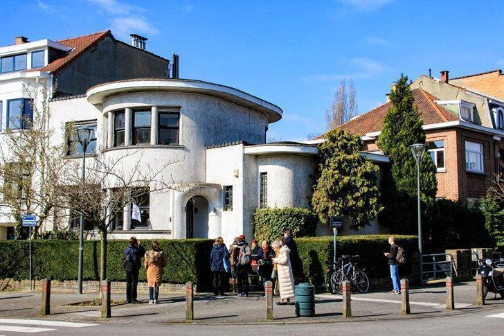 Ajoux House in Schaarbeak is another perfect example of Art Deco in Brussels.