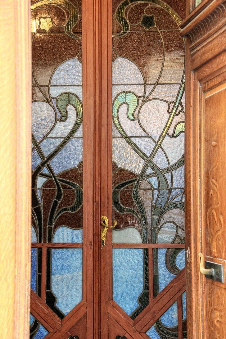 The Hôtel Tassel by Victor Horta was the world's first Art Nouveau building.