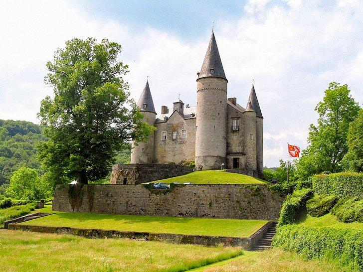 Veves is a fairytail castle in Belgium near Dinant.