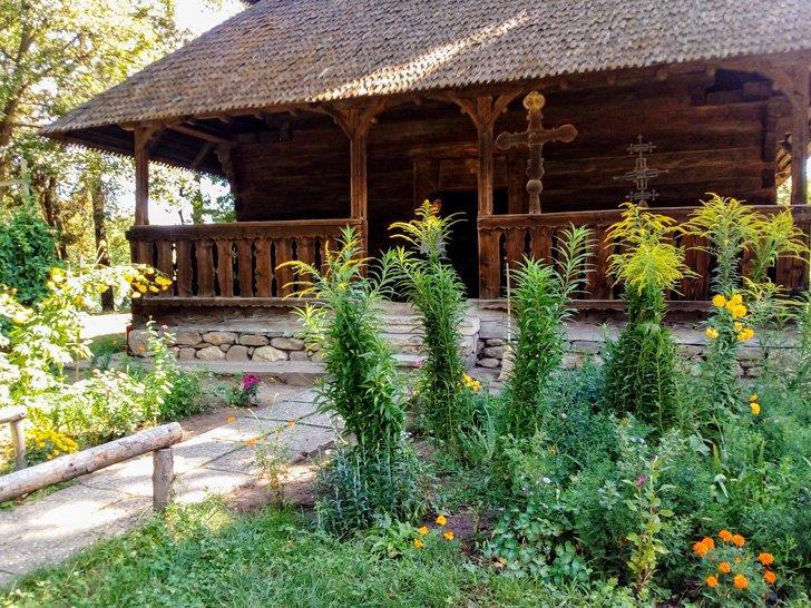 Cottage at Muzeyl Satului