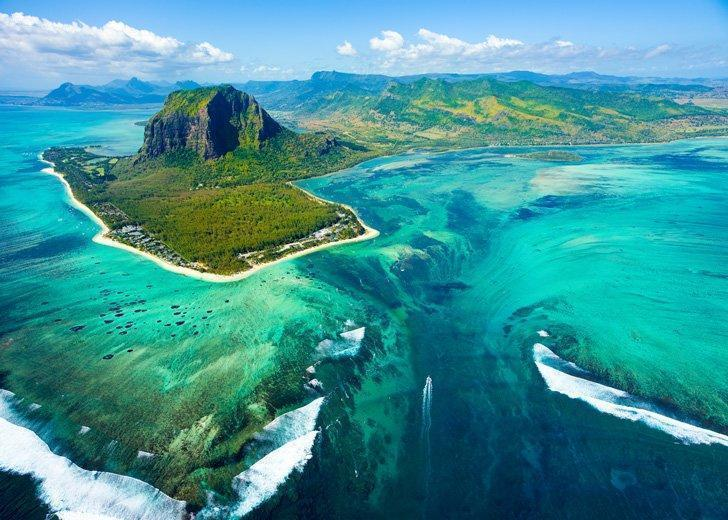 One of the most beautiful places in Mauritius is best viewed from above - the underwater waterfalls!