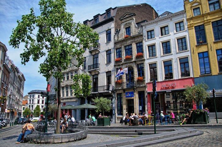 Cafe Novo is my little Belgian restaurant secret AND it's a cheap eat.