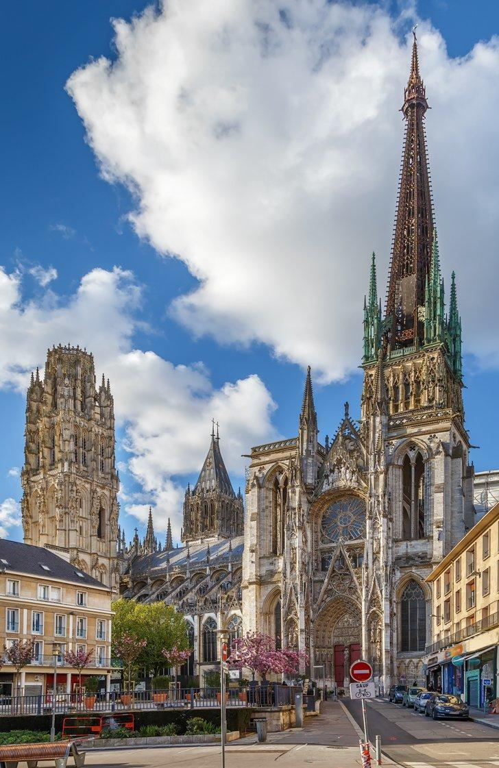 rouen things to do - visit the rouen cathedral