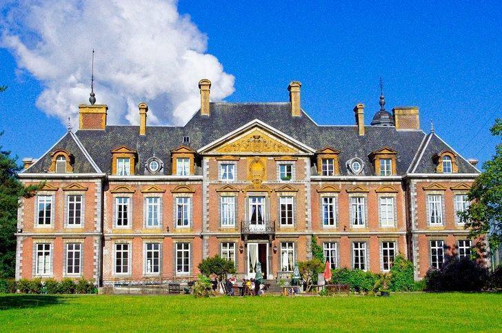 Domain du Chateau de la Neuville in Tihange, Belgium